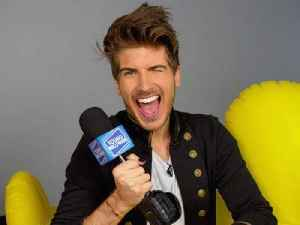 Joey Graceffa Plays Truth or Dare [Video]