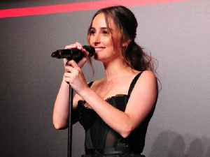Singer Banks Reveals Her Favorite Beauty Products & Skincare Regimen [Video]