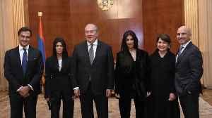 Kim and Kourtney Kardashian meet with Armenian President [Video]