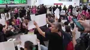 Protesters at Barcelona station demand release of jailed Catalan leaders