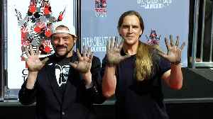 Kevin Smith & Jason Mewes Handprint and Footprint Ceremony [Video]