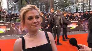 Anna Paquin reveals Robert De Niro 'is quite shy' on set [Video]