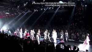 Japanese rock legend Yoshiki lights up the runway [Video]