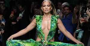Check Out These Untouched Photos Of A Young Jennifer Lopez That Recently Went Viral [Video]