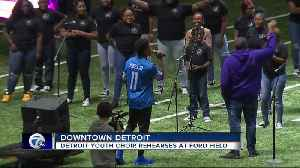 Lions wide receiver Marvin Jones, Jr. joins Detroit Youth Choir for practice at Ford Field [Video]