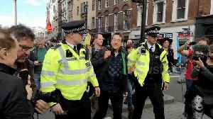 Guardian newspaper columnist George Monbiot arrested at Extinction Rebellion protest in London [Video]