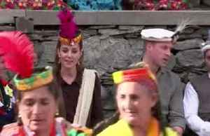 News video: William and Kate don traditional headgear on Pakistan tour