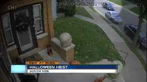 Thieves caught on camera stealing Halloween decorations on Milwaukee's south side [Video]