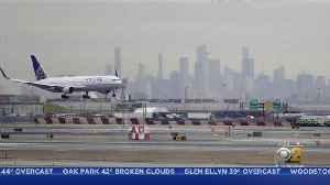 Unaccompanied Teen Stuck Newark Airport For 24 Hours [Video]