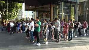 News video: Apple fans queue for new iPhone 11 on first day of release in Thailand