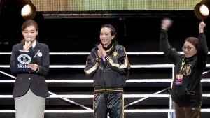 Hong Kong Singer Sets World Record for Highest-Altitude Concert! [Video]