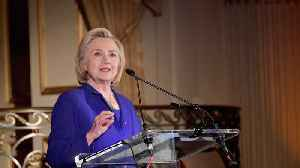 Clinton Says Russia Is 'Grooming' A Democrat For A Third-Party Run [Video]