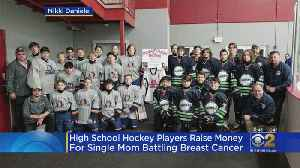 High School Hockey Teams Raise Money For Mom Fighting Cancer [Video]