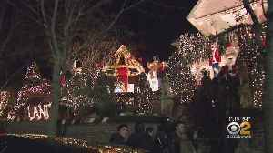Food Trucks Banned From Dyker Heights Christmas Display [Video]