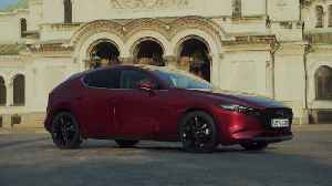 All-New Mazda3 Skyactiv-X Hatchback in Soul Red Crystal Exterior Design, Bulgaria 2019 [Video]