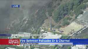 Flames Burn Near Hilltop Homes In Pacific Palisades [Video]
