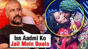 News video: Neha Kakkar KISSED Forcefully, Vishal Dadlani REACTS | Indian Idol 11