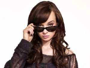 Ashley Rickards's Tips for a Perfect Cat-Eye [Video]