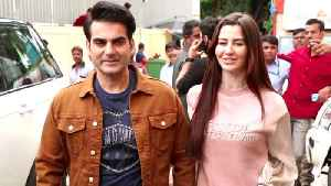 Arbaaz khan GRAND ENTRY With Girlfriend Giorgia At Babangg 3 Trailer Launch [Video]