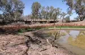 Australia's mighty river runs dry [Video]