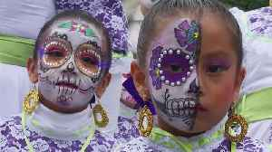 Mexico City revelers channel 'La Catrina' ahead of Day of the Dead festival [Video]