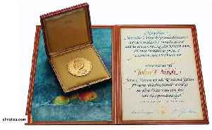 John Nash's Nobel Prize Fetches $735K At Auction [Video]