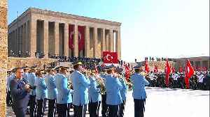 Erdogan visits Anitkabir to mark anniversary of Republic Day [Video]