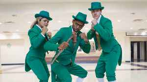 Notre Dame's Leprechaun Mascot Trio Make History [Video]