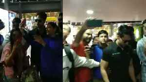 FANS Mobbed Tiger shroff & he was About to Fall at AIRPORT [Video]