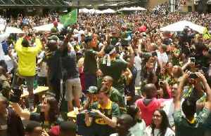 South Africans celebrate World Cup victory in Johannesburg [Video]