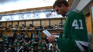 Dirk Nowitzki takes in Stars-Canadiens [Video]