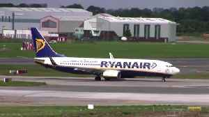 Airlines: Ryanair warns on 737 MAX; IAG expands [Video]