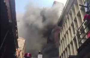 Fire rages through central Lagos [Video]