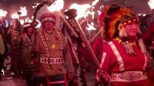 Boris Johnson lights up Lewes bonfire night [Video]