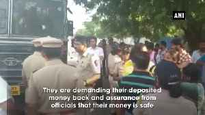 PMC Bank Scam Depositors stage protest outside RBI several detained by police [Video]