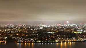 Timelapse of London's skyline on Bonfire Night [Video]