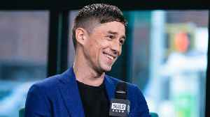 Irish Actor Killian Scott Stayed In His English Accent While Filming 'Dublin Murders' [Video]