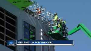 News video: Milwaukee gears up for bitter cold