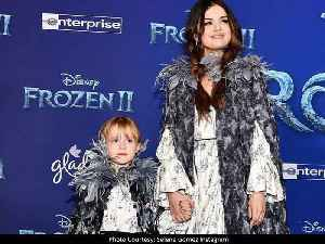 Selena Gomez and Her Younger Sister Were Twinning at 'Frozen 2' Premiere [Video]