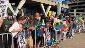 Capetonians wait for the arrival of victorious Springboks [Video]