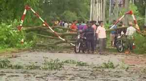 Cyclone kills at least 14 in India, Bangladesh [Video]