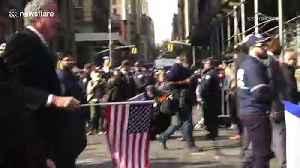 Mayor Bill De Blasio booed at Veterans Day Parade in New York [Video]