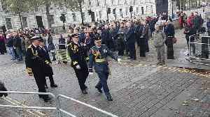 Hundreds gather at Trafalgar Square to observe two-minute silence on Armistice Day [Video]