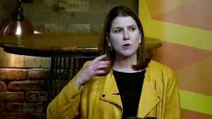 Swinson: Many people despair over two-party politics [Video]