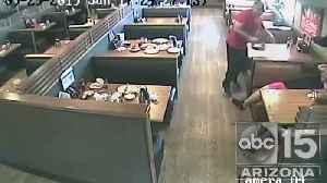 VIDEO: IHOP customers in Phoenix attacked by man with coffee pot [Video]