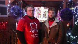 News video: Grieving son pays tribute to Christmas-mad dad by decorating family home with 20,000 lights