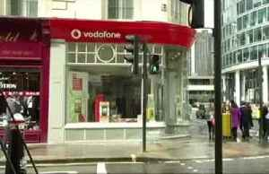 Vodafone lifts outlook as it returns to growth [Video]