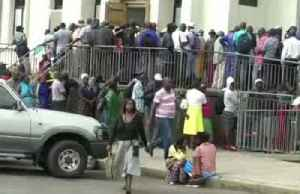 Zimbabweans get new banknotes, can only withdraw $20 [Video]