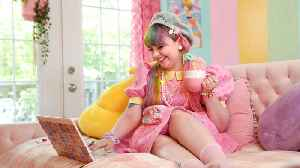 Kawaii Princess Lives In A Rainbow House | HOOKED ON THE LOOK [Video]