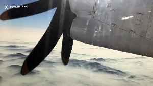 Blankets of smoke from Australia's bushfires seen from plane [Video]